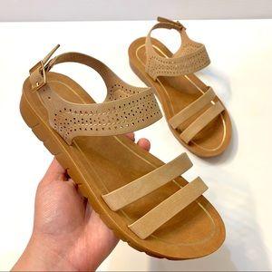 NWOT Forever Platform Sandals